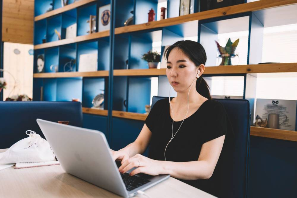Hybrid offices mix in-office and work-from-home workers. With lingering questions about covid safety, will hybrid offices become the new standard?
